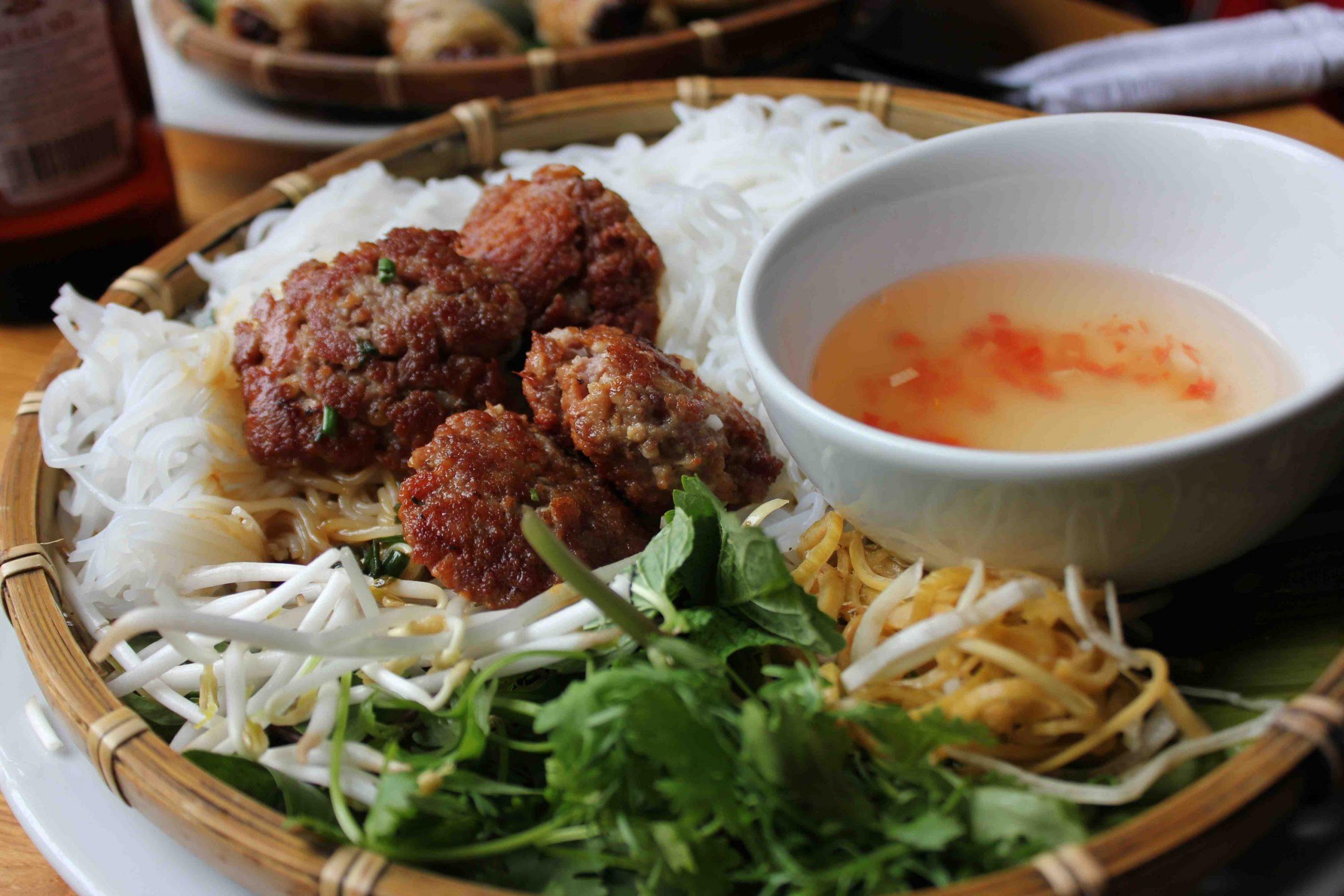 Hanoi tour in summer - Bun Cha