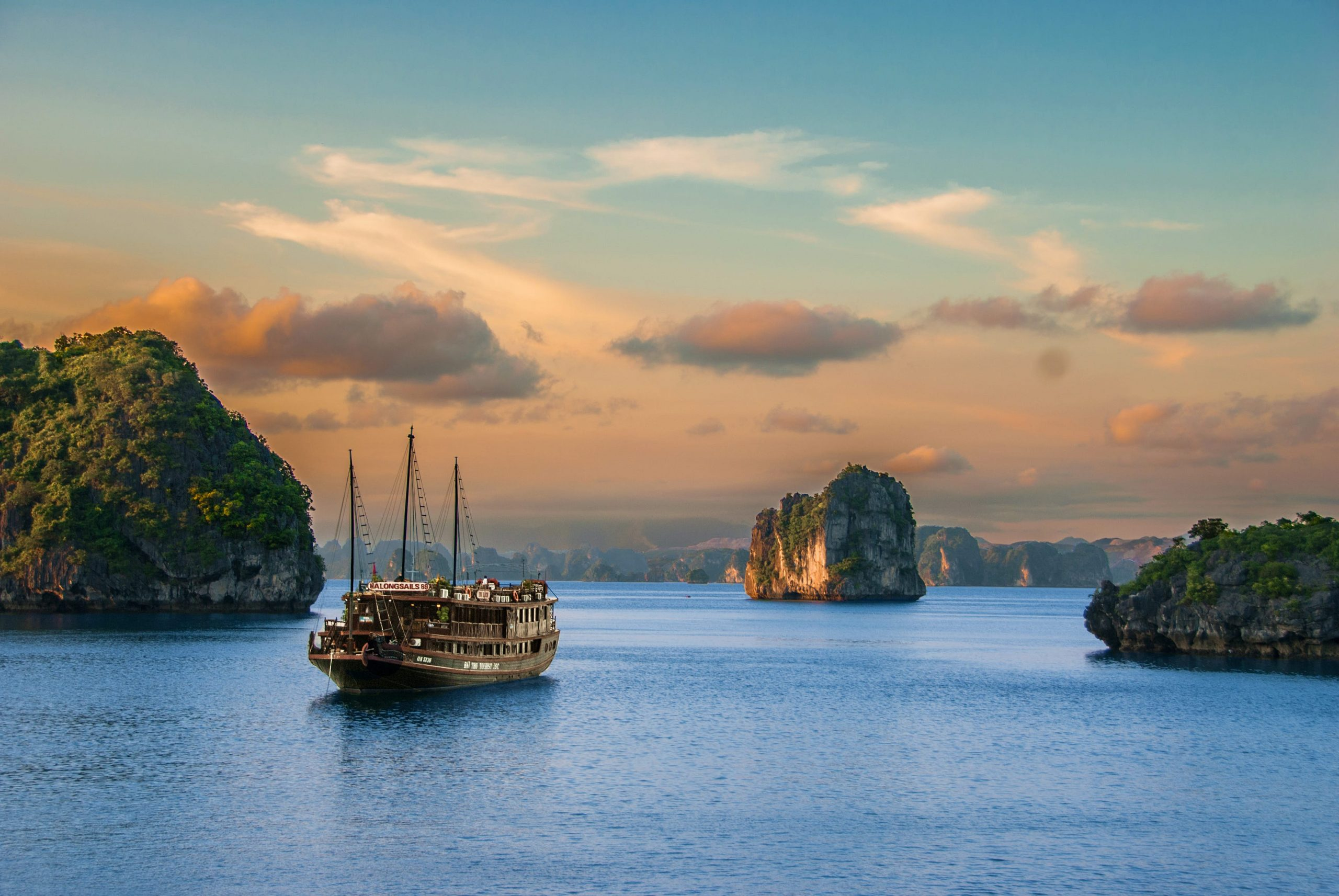 Hanoi tour in summer - Halong Bay